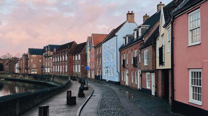 UK Riverside Houses